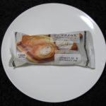 ローソンのコンビニパン「ザクザクメロネ(飛騨高原牛乳入りホイップクリーム)」